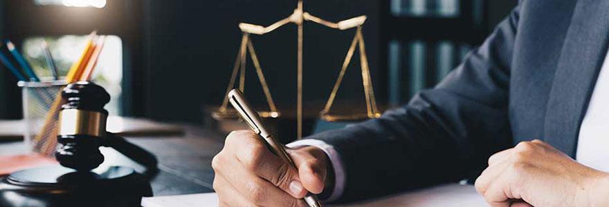 Défense des intérêts des employés et du droit du travail